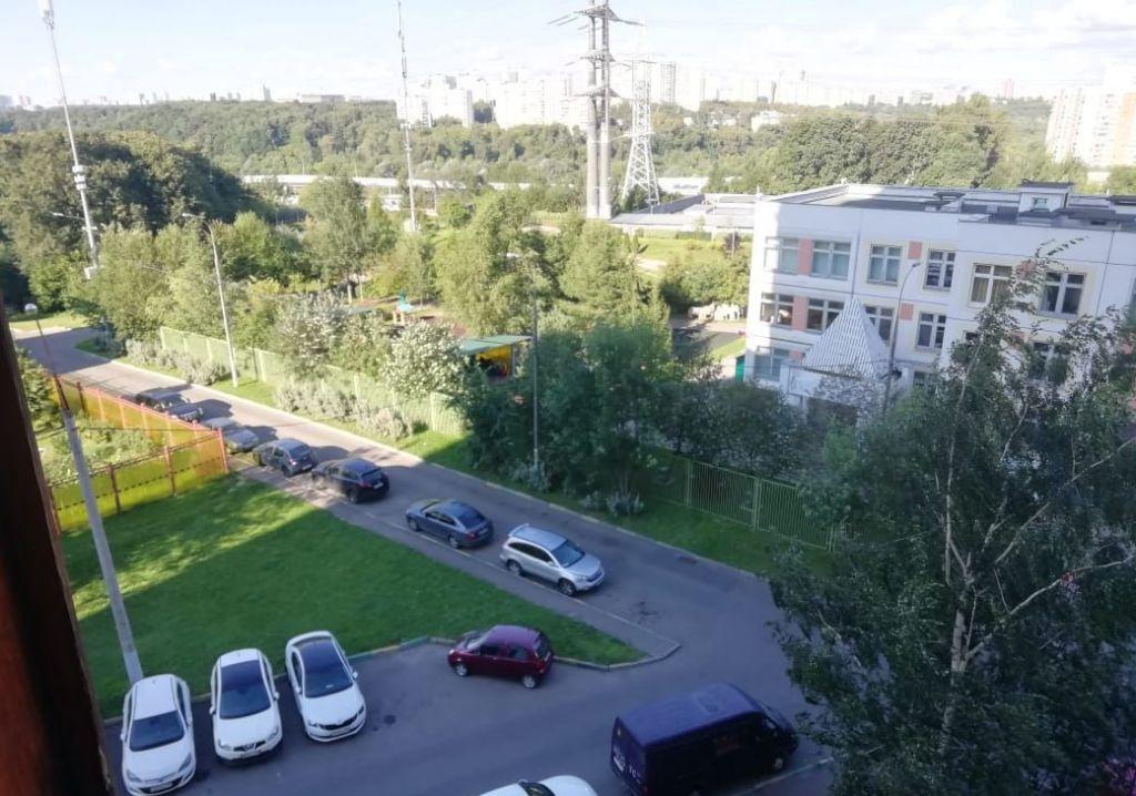 Продажа студии Москва, метро Волоколамская, Пятницкое шоссе 6к4, цена 30000 рублей, 2021 год объявление №472703 на megabaz.ru