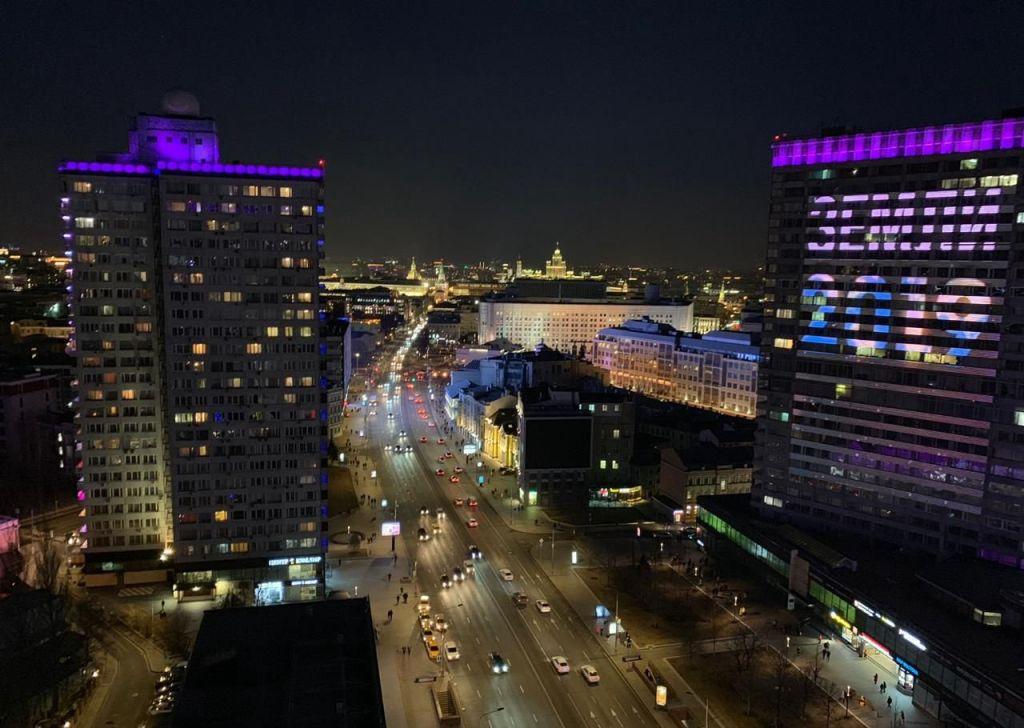 Аренда двухкомнатной квартиры Москва, метро Арбатская, улица Новый Арбат 10, цена 3000 рублей, 2020 год объявление №1097851 на megabaz.ru