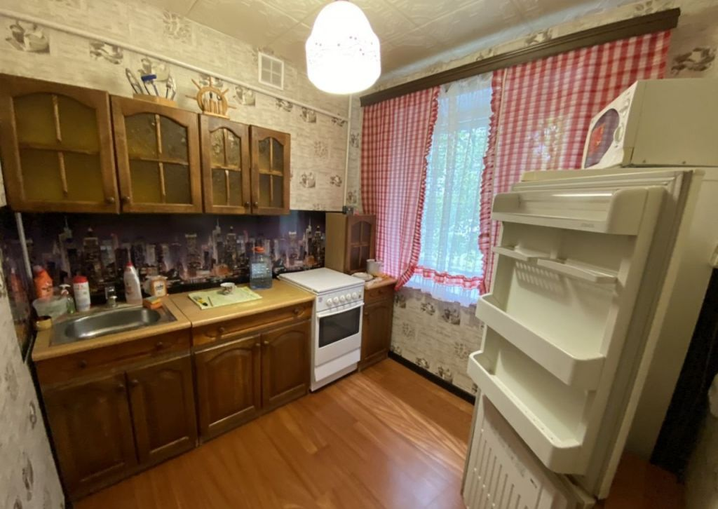Аренда однокомнатной квартиры поселок Большевик, улица Ленина 48, цена 15000 рублей, 2020 год объявление №1060070 на megabaz.ru