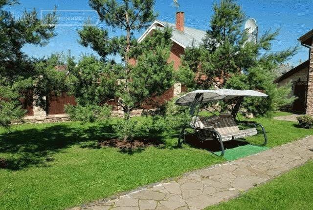 Аренда дома село Немчиновка, 3-я Запрудная улица 1, цена 70000 рублей, 2020 год объявление №1115587 на megabaz.ru