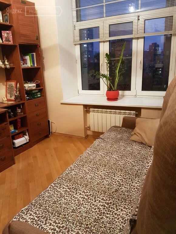 Продажа трёхкомнатной квартиры Москва, метро Бауманская, Токмаков переулок 7, цена 27800000 рублей, 2021 год объявление №467179 на megabaz.ru