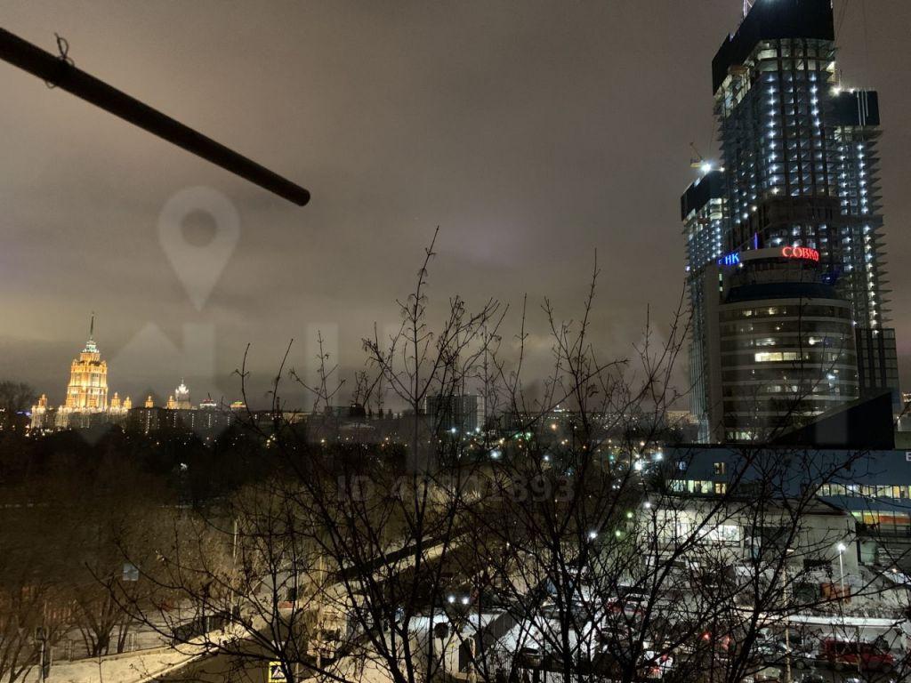 Аренда однокомнатной квартиры Москва, метро Выставочная, 1-й Красногвардейский проезд 4кБс2, цена 65000 рублей, 2021 год объявление №1057513 на megabaz.ru