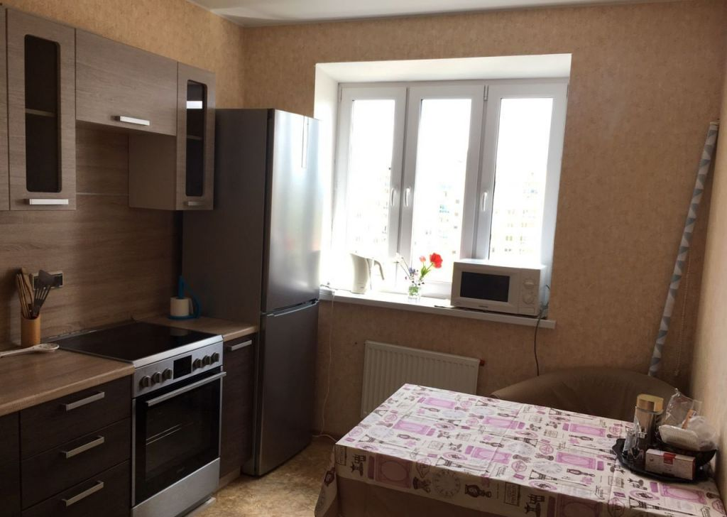 Аренда двухкомнатной квартиры поселок городского типа Некрасовский, улица Льва Толстого 22, цена 24000 рублей, 2021 год объявление №1030673 на megabaz.ru