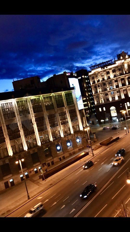 Аренда двухкомнатной квартиры Москва, метро Охотный ряд, Тверская улица 4, цена 70000 рублей, 2020 год объявление №1052694 на megabaz.ru