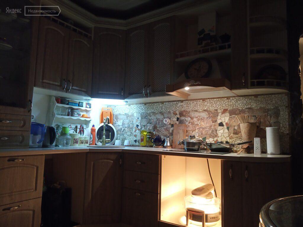 Продажа двухкомнатной квартиры деревня Путилково, метро Волоколамская, Сходненская улица 33, цена 8000000 рублей, 2021 год объявление №440536 на megabaz.ru
