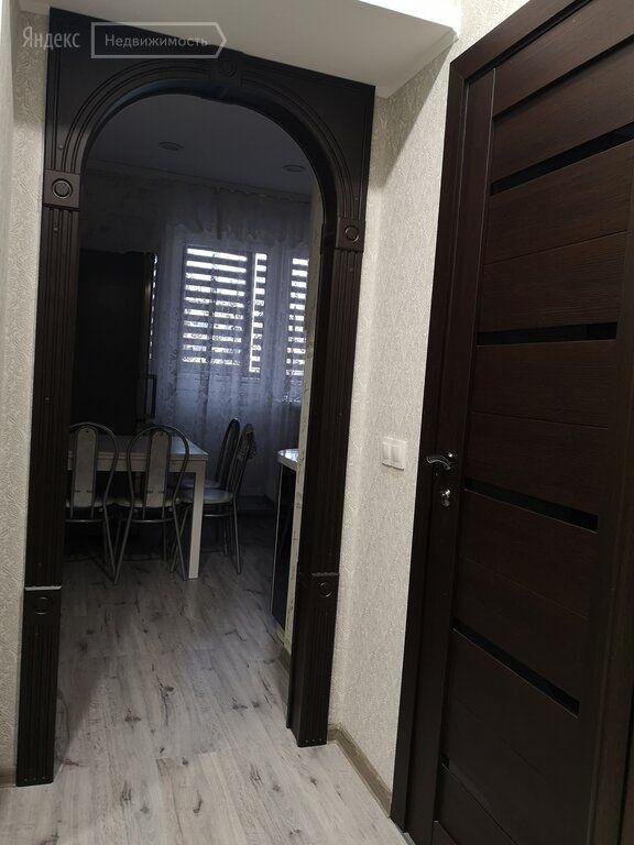 Аренда однокомнатной квартиры деревня Исаково, Рябиновая улица 9, цена 25000 рублей, 2021 год объявление №1068171 на megabaz.ru