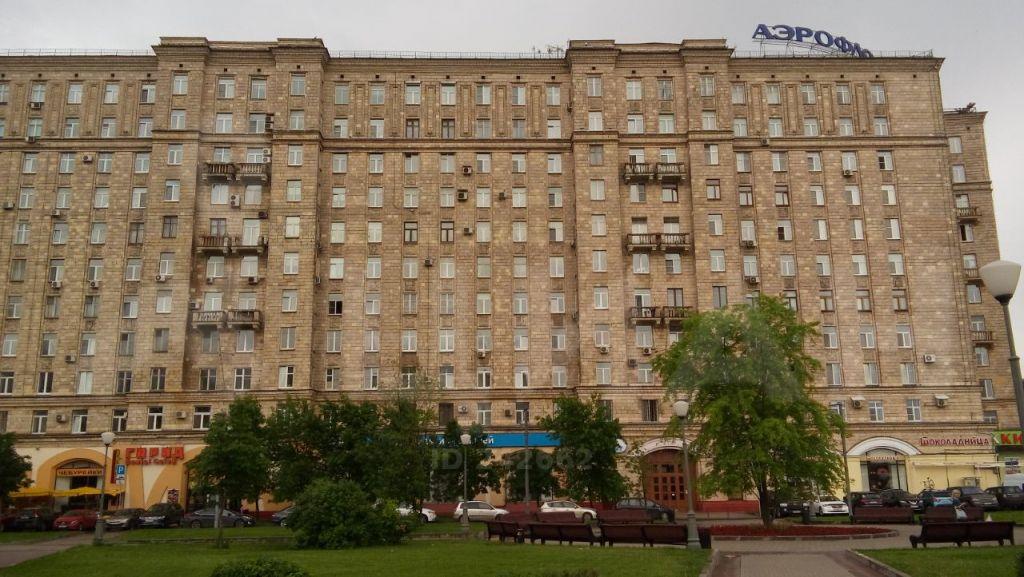 Продажа четырёхкомнатной квартиры Москва, метро Парк Победы, площадь Победы 1кБ, цена 40000000 рублей, 2021 год объявление №404571 на megabaz.ru