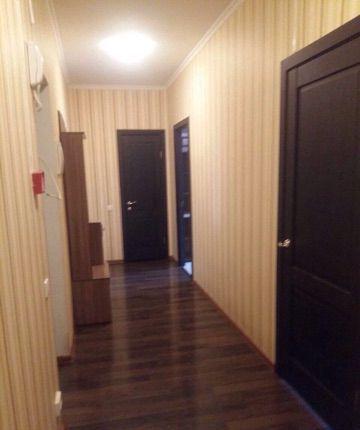 Аренда трёхкомнатной квартиры поселок Аничково, цена 20000 рублей, 2021 год объявление №1069807 на megabaz.ru