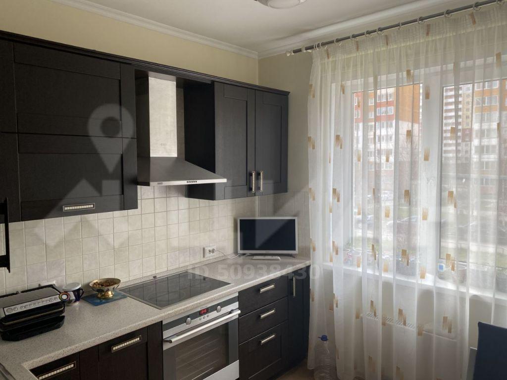 Продажа двухкомнатной квартиры поселок ВНИИССОК, Берёзовая улица 6, цена 7500000 рублей, 2020 год объявление №410177 на megabaz.ru