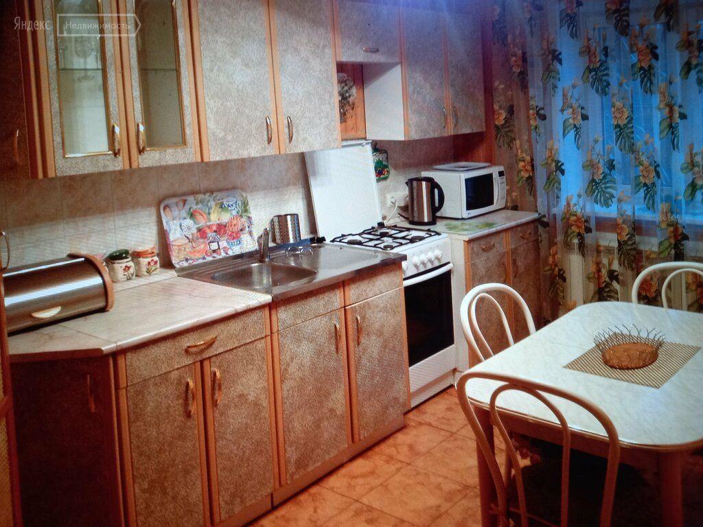 Аренда дома село Успенское, Учительская улица, цена 80000 рублей, 2021 год объявление №1433104 на megabaz.ru