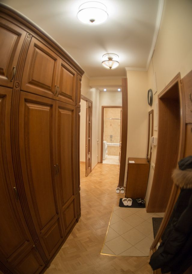 Аренда двухкомнатной квартиры Москва, метро Театральная, Тверская улица 6с1, цена 110000 рублей, 2020 год объявление №1099723 на megabaz.ru