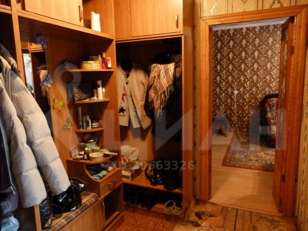 Продажа двухкомнатной квартиры рабочий посёлок Мишеронский, Советская улица 46, цена 950000 рублей, 2020 год объявление №396150 на megabaz.ru