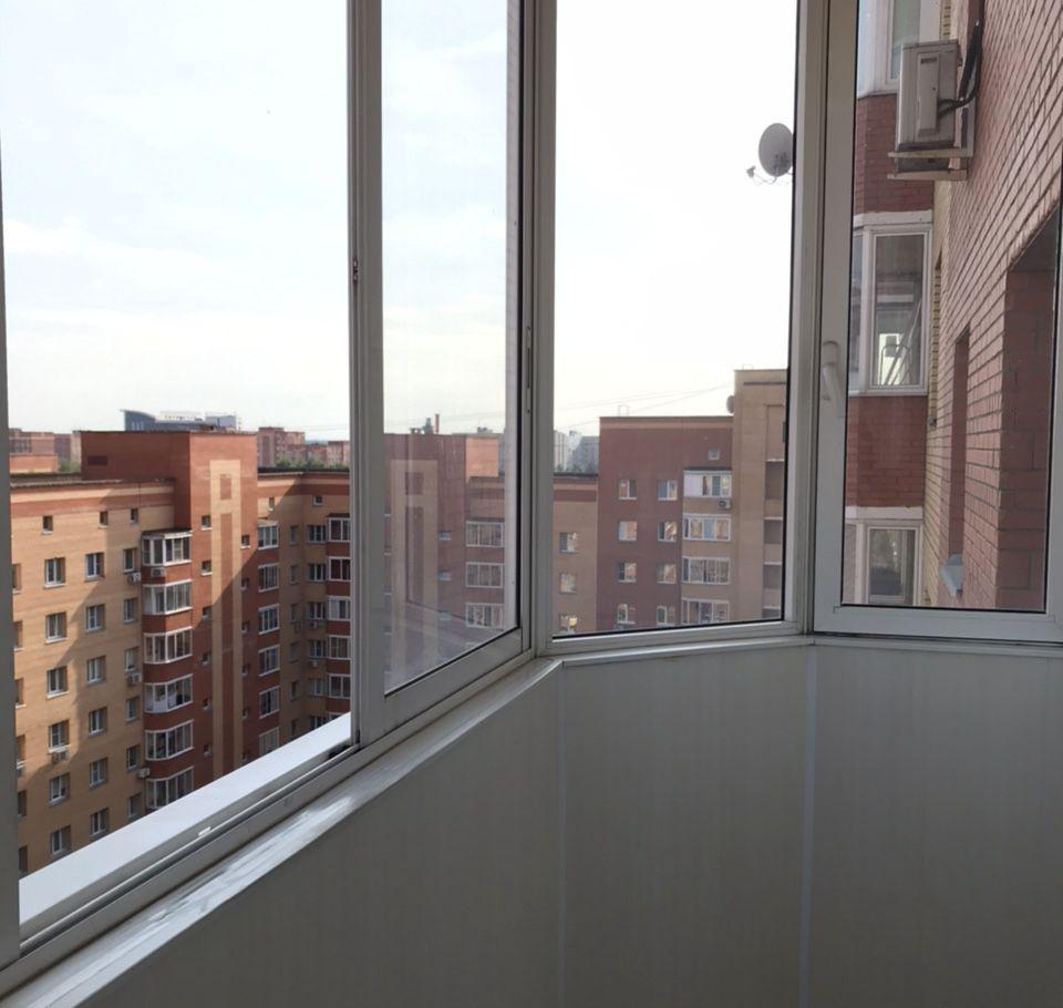 Аренда однокомнатной квартиры дачный посёлок Лесной Городок, Грибовская улица 4, цена 25000 рублей, 2021 год объявление №1197467 на megabaz.ru