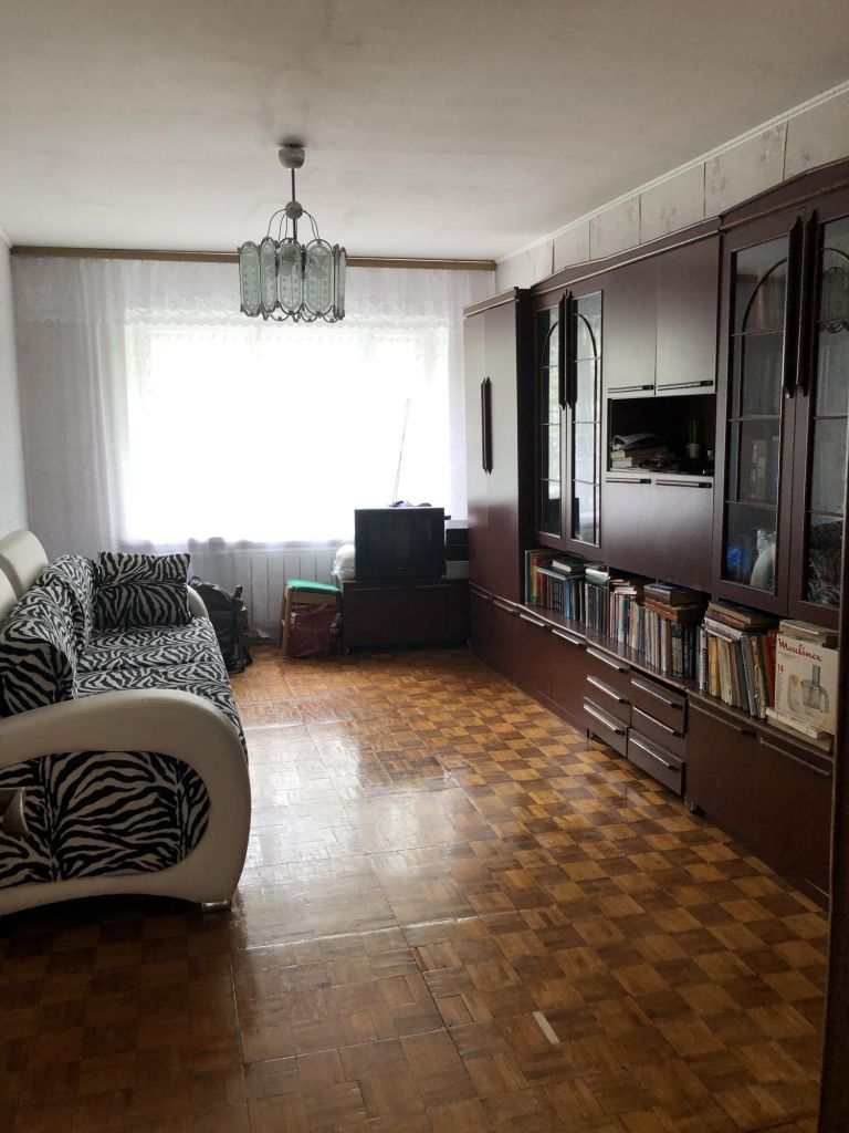 Аренда трёхкомнатной квартиры поселок Большевик, улица Ленина 48, цена 20000 рублей, 2020 год объявление №1099886 на megabaz.ru