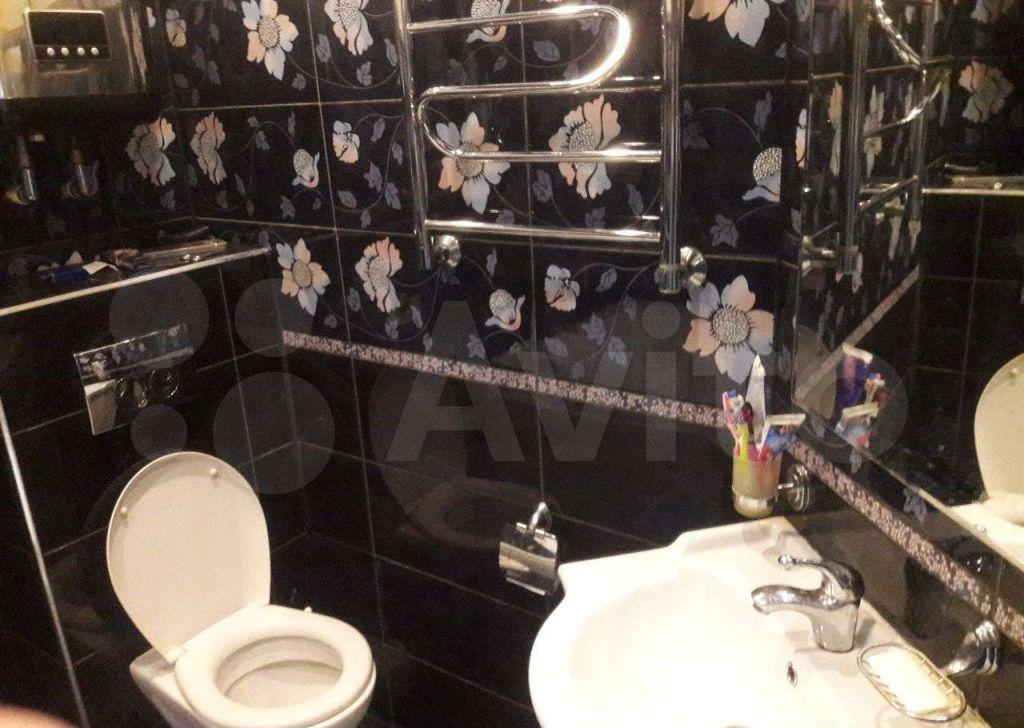 Продажа двухкомнатной квартиры деревня Березняки, цена 2700000 рублей, 2021 год объявление №671427 на megabaz.ru