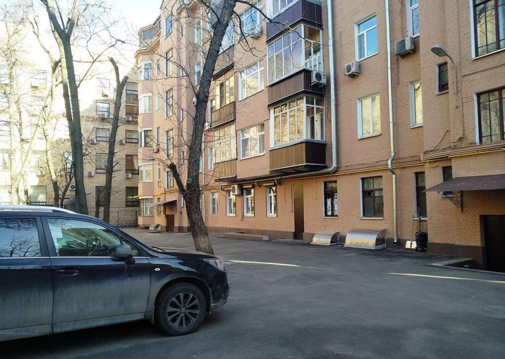 Продажа трёхкомнатной квартиры Москва, метро Чистые пруды, Большой Харитоньевский переулок 9, цена 34000000 рублей, 2020 год объявление №395725 на megabaz.ru