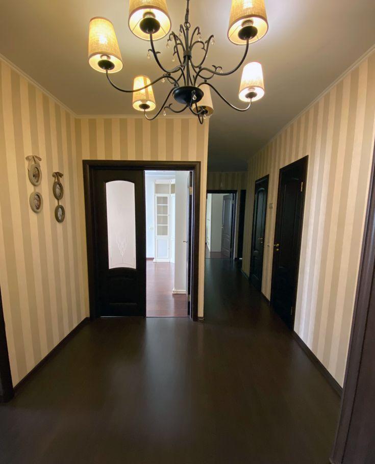 Продажа трёхкомнатной квартиры поселок Володарского, улица Елохова Роща 12, цена 5500000 рублей, 2020 год объявление №476002 на megabaz.ru