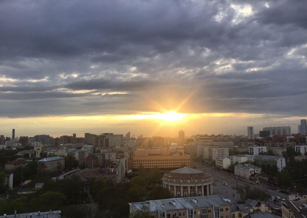 Аренда двухкомнатной квартиры Москва, метро Баррикадная, Кудринская площадь 1, цена 80000 рублей, 2021 год объявление №1016800 на megabaz.ru