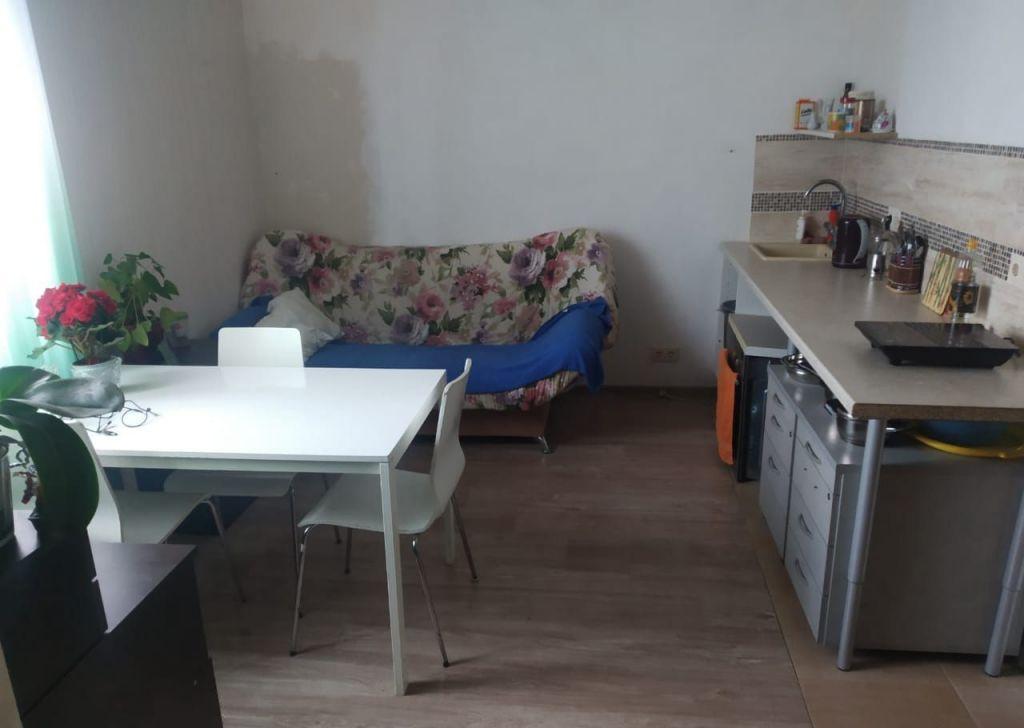 Продажа двухкомнатной квартиры село Кривцы, Добрая улица 78, цена 2400000 рублей, 2021 год объявление №493705 на megabaz.ru