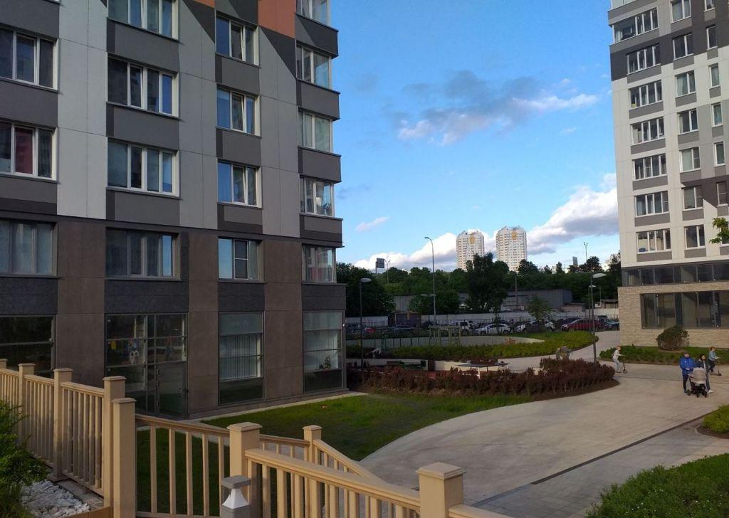 Продажа двухкомнатной квартиры деревня Раздоры, метро Строгино, улица Липовой Рощи 1к2, цена 6745000 рублей, 2020 год объявление №420494 на megabaz.ru