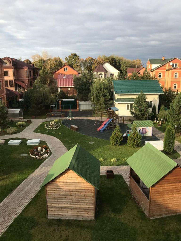 Аренда трёхкомнатной квартиры село Ям, цена 35000 рублей, 2020 год объявление №1091031 на megabaz.ru