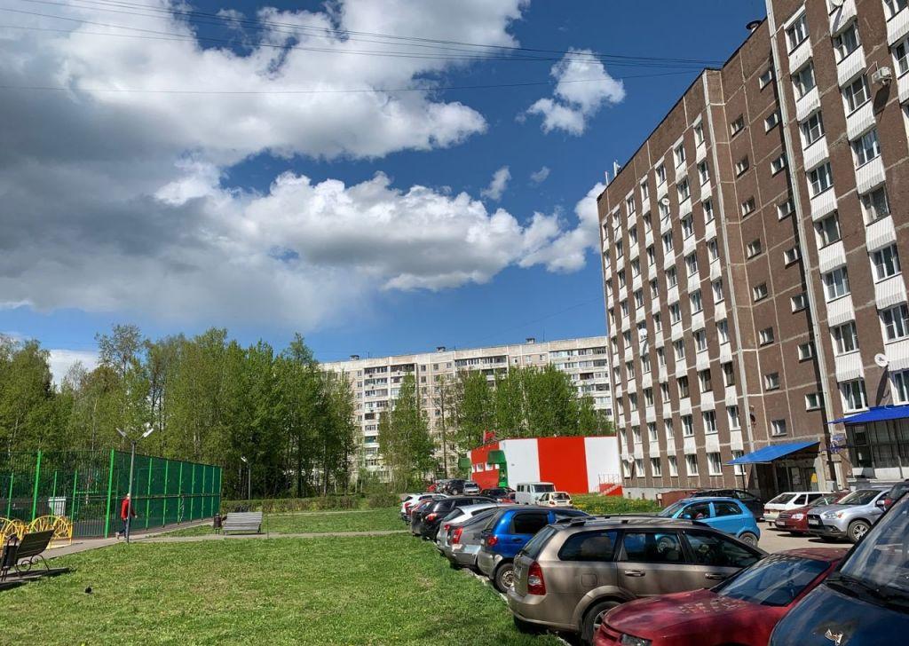 Продажа двухкомнатной квартиры рабочий поселок Оболенск, Осенний бульвар 3Б, цена 1550000 рублей, 2021 год объявление №381864 на megabaz.ru