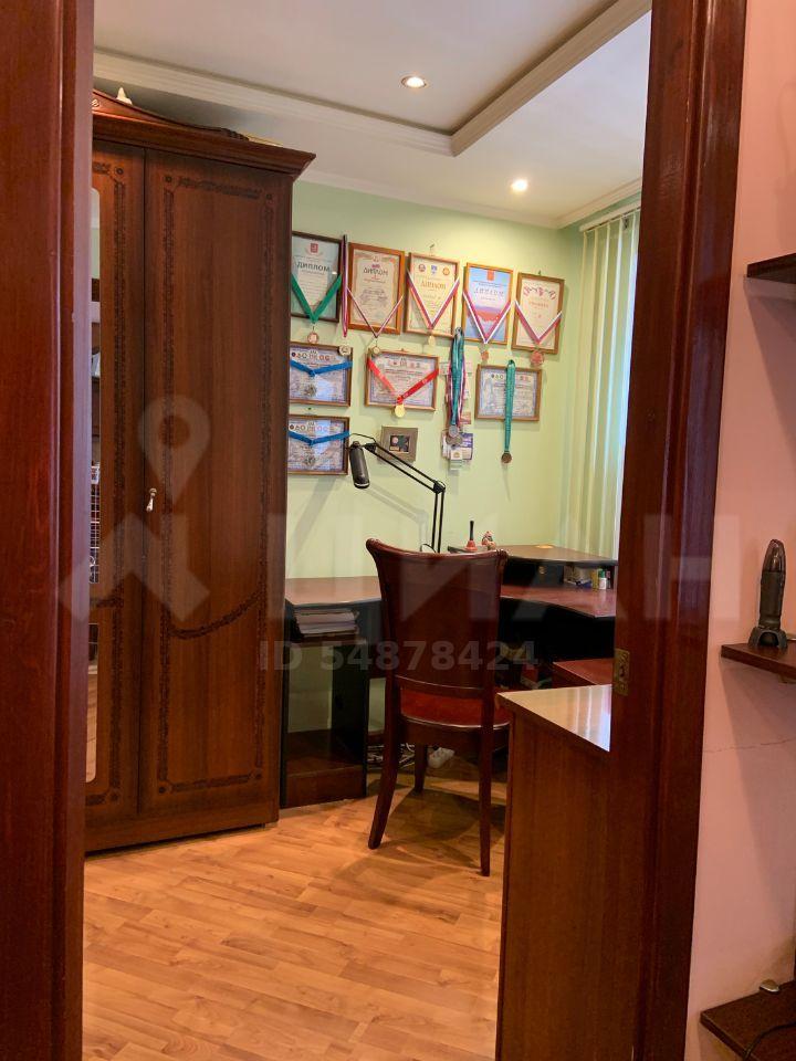 Продажа двухкомнатной квартиры поселок Лоза, цена 2700000 рублей, 2021 год объявление №487173 на megabaz.ru