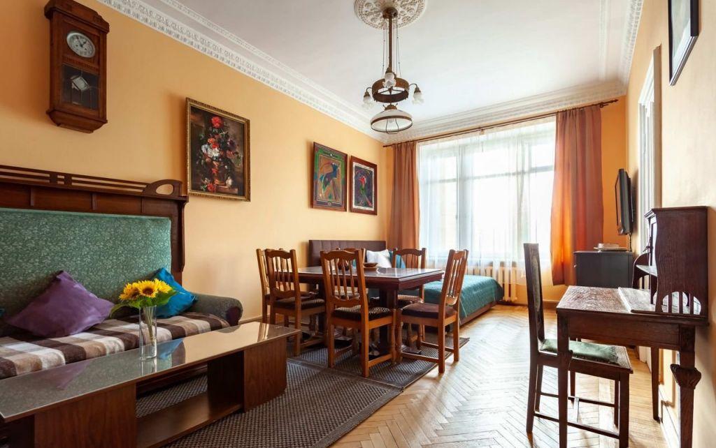 Аренда двухкомнатной квартиры Москва, метро Баррикадная, Кудринская площадь 1, цена 5000 рублей, 2021 год объявление №1110308 на megabaz.ru