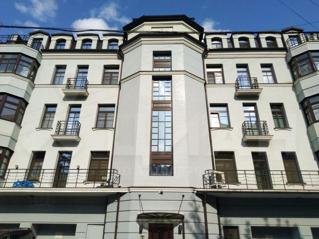 Продажа студии Москва, метро Добрынинская, 1-й Добрынинский переулок 8, цена 42000000 рублей, 2020 год объявление №363182 на megabaz.ru
