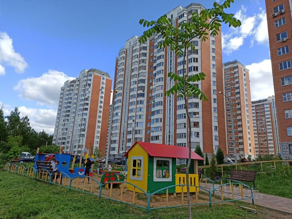 Аренда двухкомнатной квартиры деревня Брёхово, метро Сходненская, цена 28000 рублей, 2021 год объявление №1399041 на megabaz.ru