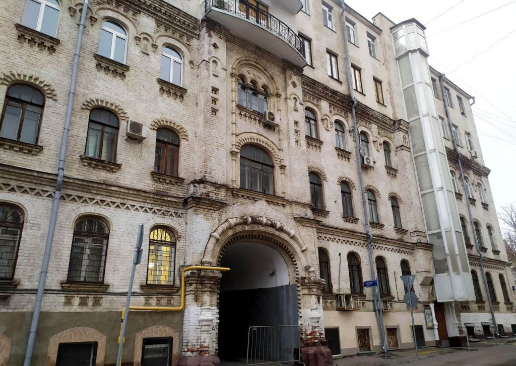 Продажа пятикомнатной квартиры Москва, метро Цветной бульвар, 2-й Троицкий переулок 6, цена 79000000 рублей, 2021 год объявление №547476 на megabaz.ru