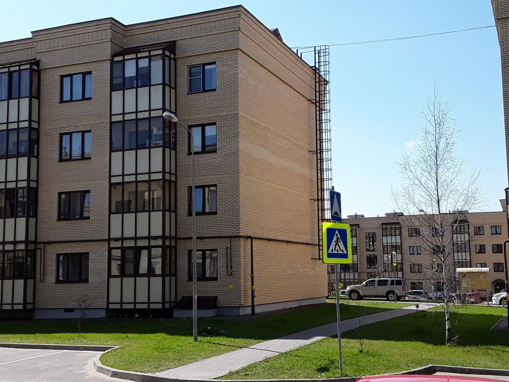 Аренда двухкомнатной квартиры деревня Исаково, Рябиновая улица 13, цена 25000 рублей, 2021 год объявление №1010080 на megabaz.ru