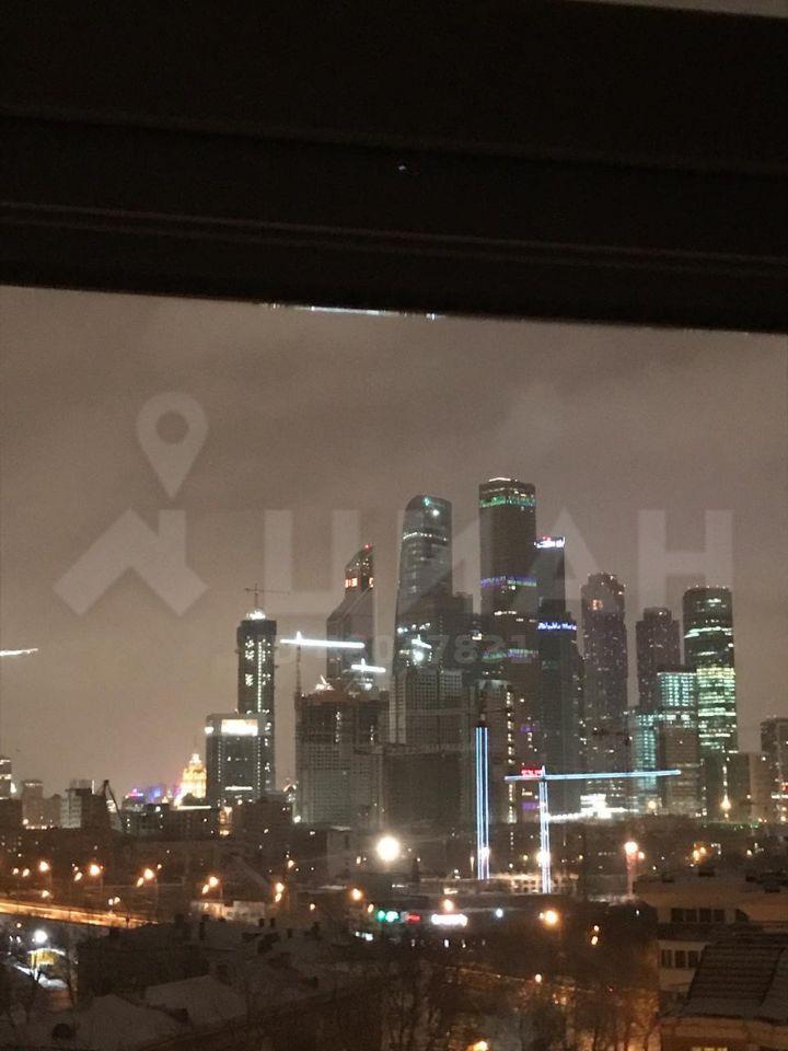 Продажа двухкомнатной квартиры Москва, метро Фили, Новозаводская улица 8к3, цена 18000000 рублей, 2021 год объявление №433660 на megabaz.ru