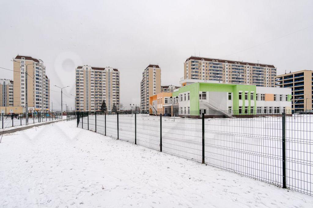 Продажа двухкомнатной квартиры село Немчиновка, улица Связистов 6, цена 8200000 рублей, 2021 год объявление №398503 на megabaz.ru