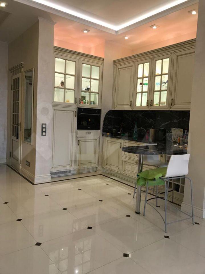 Продажа двухкомнатной квартиры Москва, метро Савеловская, Тихвинская улица 39, цена 38900000 рублей, 2021 год объявление №433106 на megabaz.ru