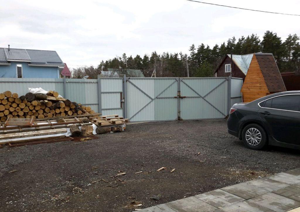 Продажа дома поселок Мещерино, Сентябрьская улица, цена 3000000 рублей, 2021 год объявление №436203 на megabaz.ru