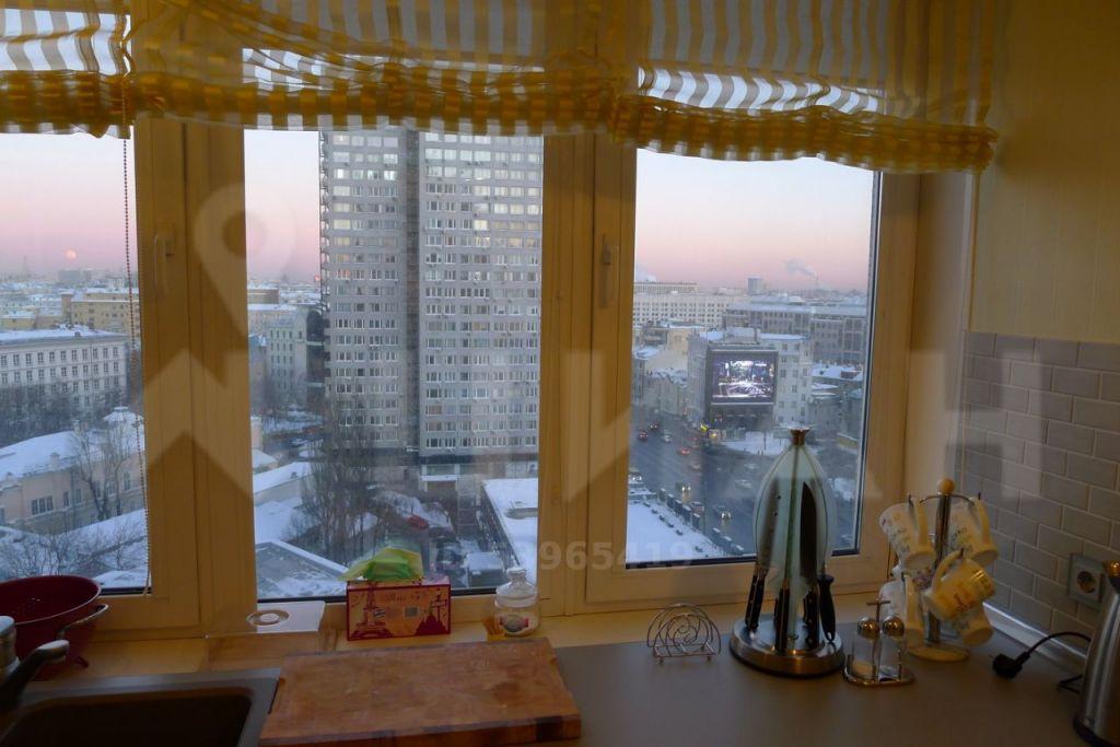 Аренда двухкомнатной квартиры Москва, метро Арбатская, улица Новый Арбат 10, цена 110000 рублей, 2020 год объявление №1108122 на megabaz.ru