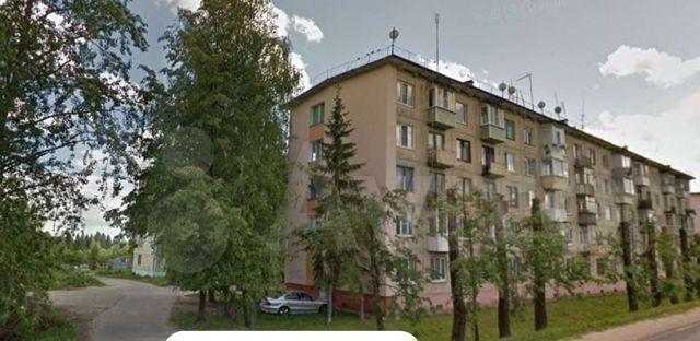 Продажа двухкомнатной квартиры поселок Нарынка, улица Королёва 4, цена 1050000 рублей, 2021 год объявление №534852 на megabaz.ru