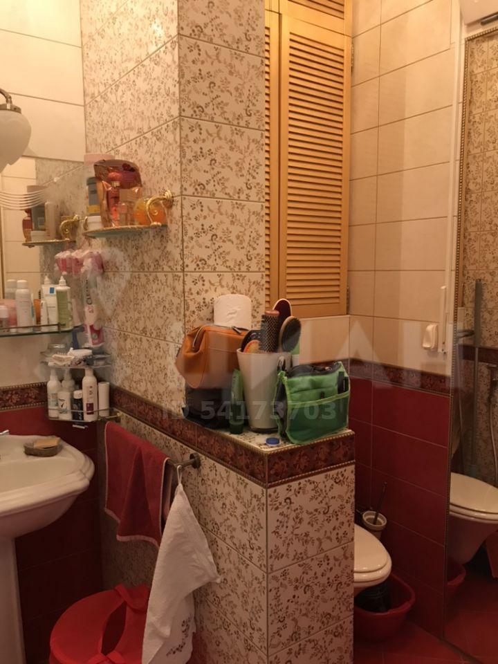 Продажа двухкомнатной квартиры Москва, метро Фрунзенская, 3-я Фрунзенская улица 6, цена 18500000 рублей, 2020 год объявление №441728 на megabaz.ru