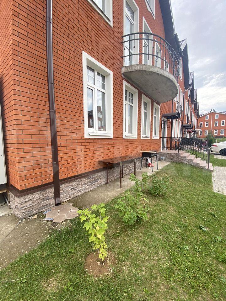 Аренда дома деревня Красный Поселок, Ирландский бульвар 250, цена 125000 рублей, 2020 год объявление №1119434 на megabaz.ru