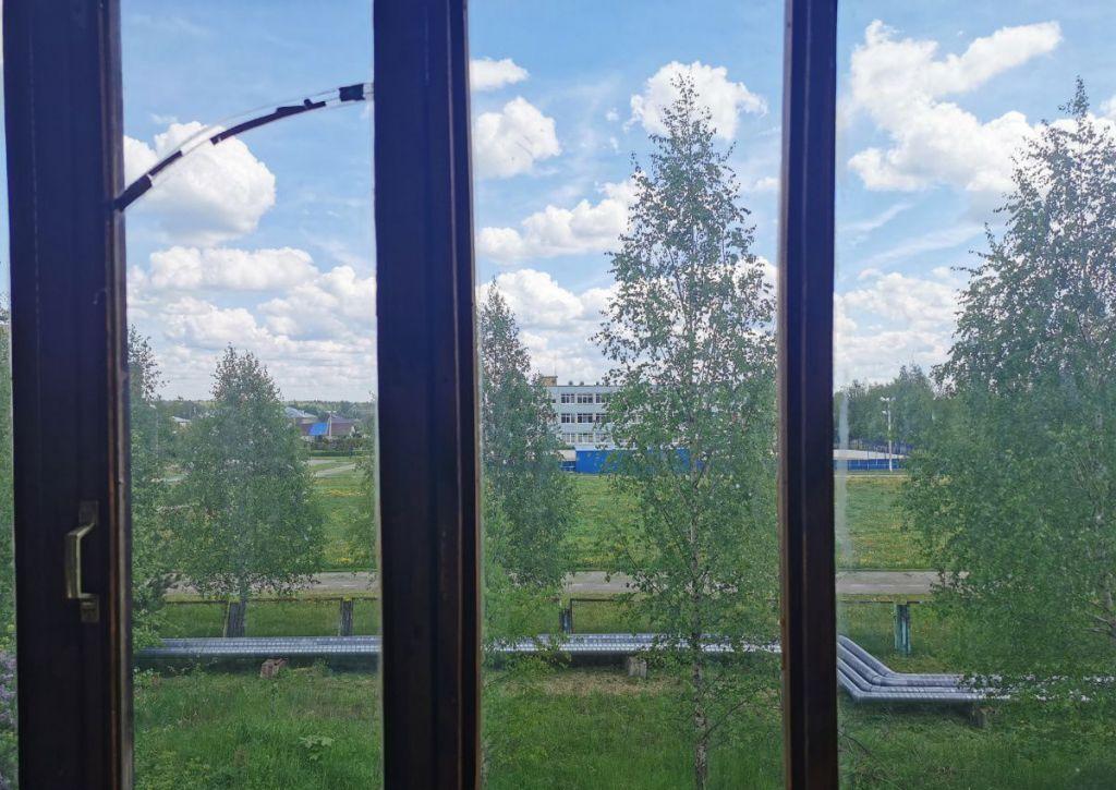 Продажа однокомнатной квартиры поселок Колюбакино, улица Попова 32, цена 1950000 рублей, 2020 год объявление №407220 на megabaz.ru