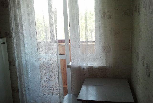 Аренда однокомнатной квартиры деревня Щемилово, улица Орлова 10, цена 17000 рублей, 2020 год объявление №1128046 на megabaz.ru
