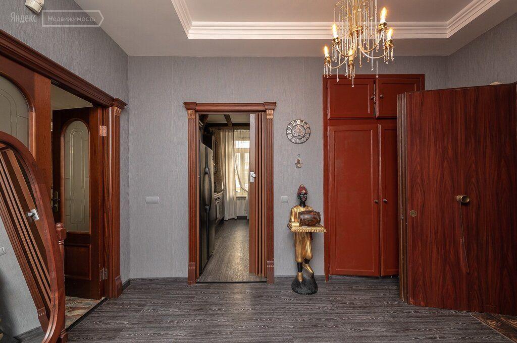 Продажа трёхкомнатной квартиры Москва, метро Трубная, улица Петровка 17с2, цена 79000000 рублей, 2021 год объявление №599036 на megabaz.ru