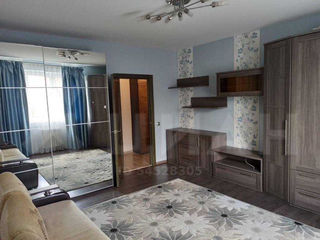Аренда двухкомнатной квартиры поселок Большевик, улица Ленина 112, цена 27000 рублей, 2020 год объявление №1132540 на megabaz.ru
