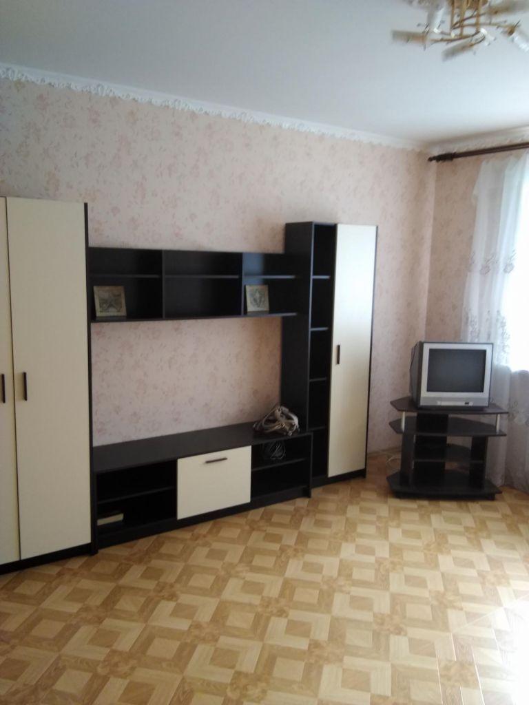 Аренда однокомнатной квартиры поселок Большевик, улица Ленина 82, цена 20000 рублей, 2020 год объявление №1078505 на megabaz.ru