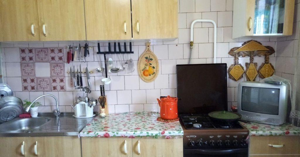 Продажа двухкомнатной квартиры Москва, метро Площадь Революции, цена 2200000 рублей, 2020 год объявление №483691 на megabaz.ru