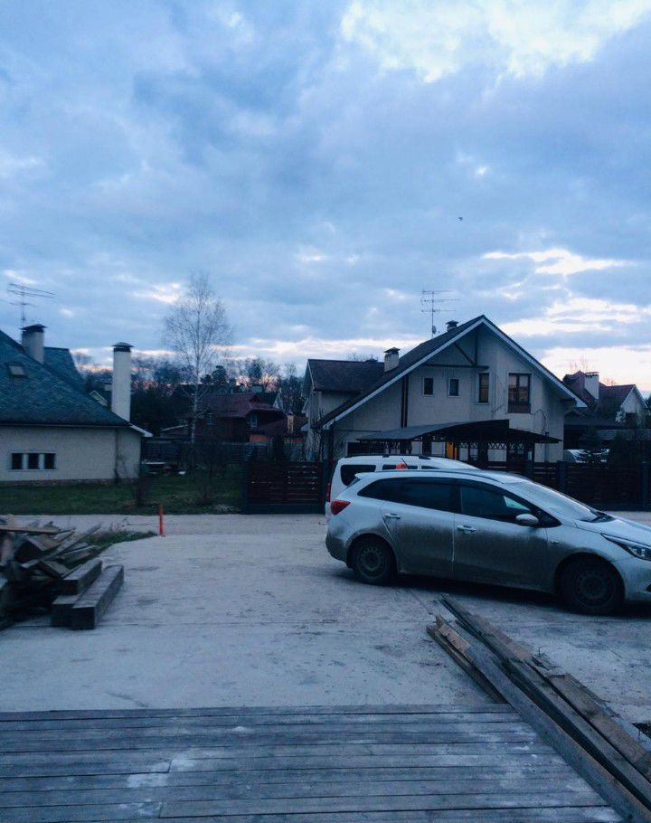 Продажа студии село Тарасовка, улица Радио, цена 2700000 рублей, 2021 год объявление №391008 на megabaz.ru