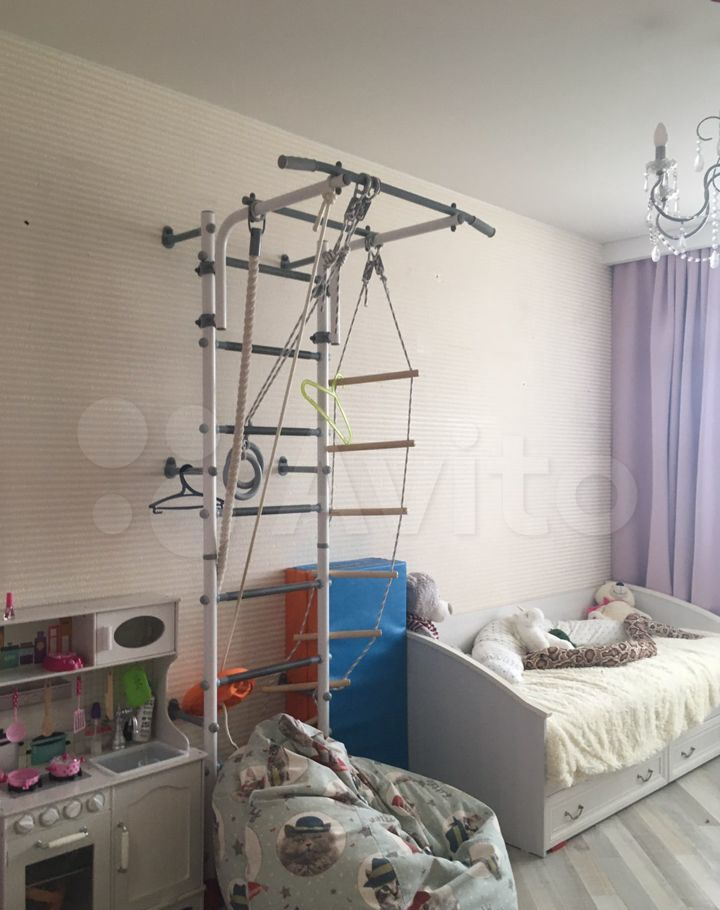 Продажа однокомнатной квартиры поселок Лесные Поляны, Солнечная улица 26к4, цена 4300000 рублей, 2021 год объявление №607956 на megabaz.ru