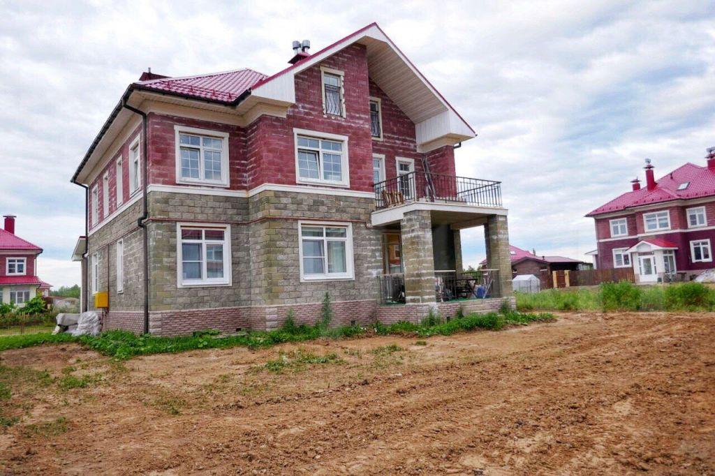 Аренда дома село Озерецкое, Никольская улица 46, цена 50000 рублей, 2021 год объявление №1142123 на megabaz.ru