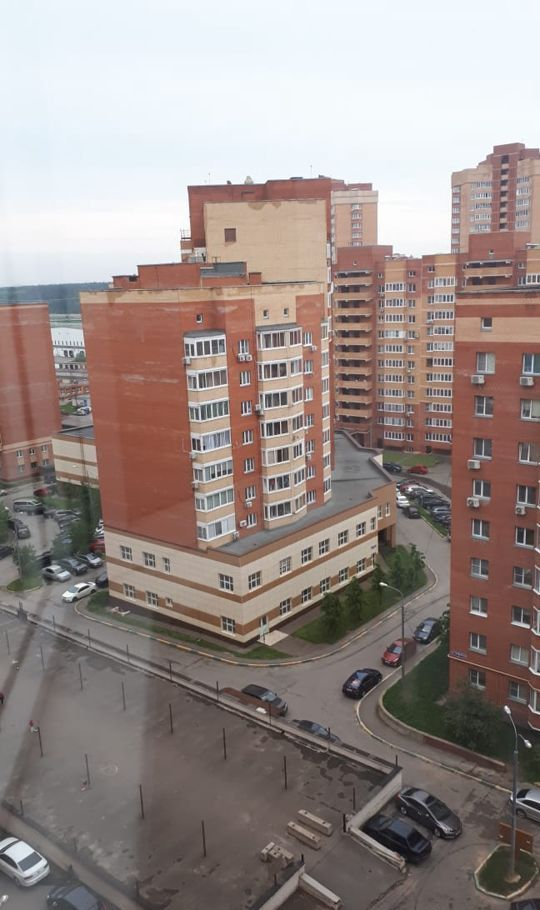 Аренда однокомнатной квартиры дачный посёлок Лесной Городок, Грибовская улица 2, цена 25000 рублей, 2021 год объявление №1142235 на megabaz.ru